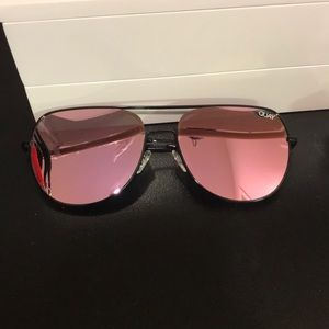 3e541095725 Quay Australia Accessories - EUC Quay living large mirrored sunglasses